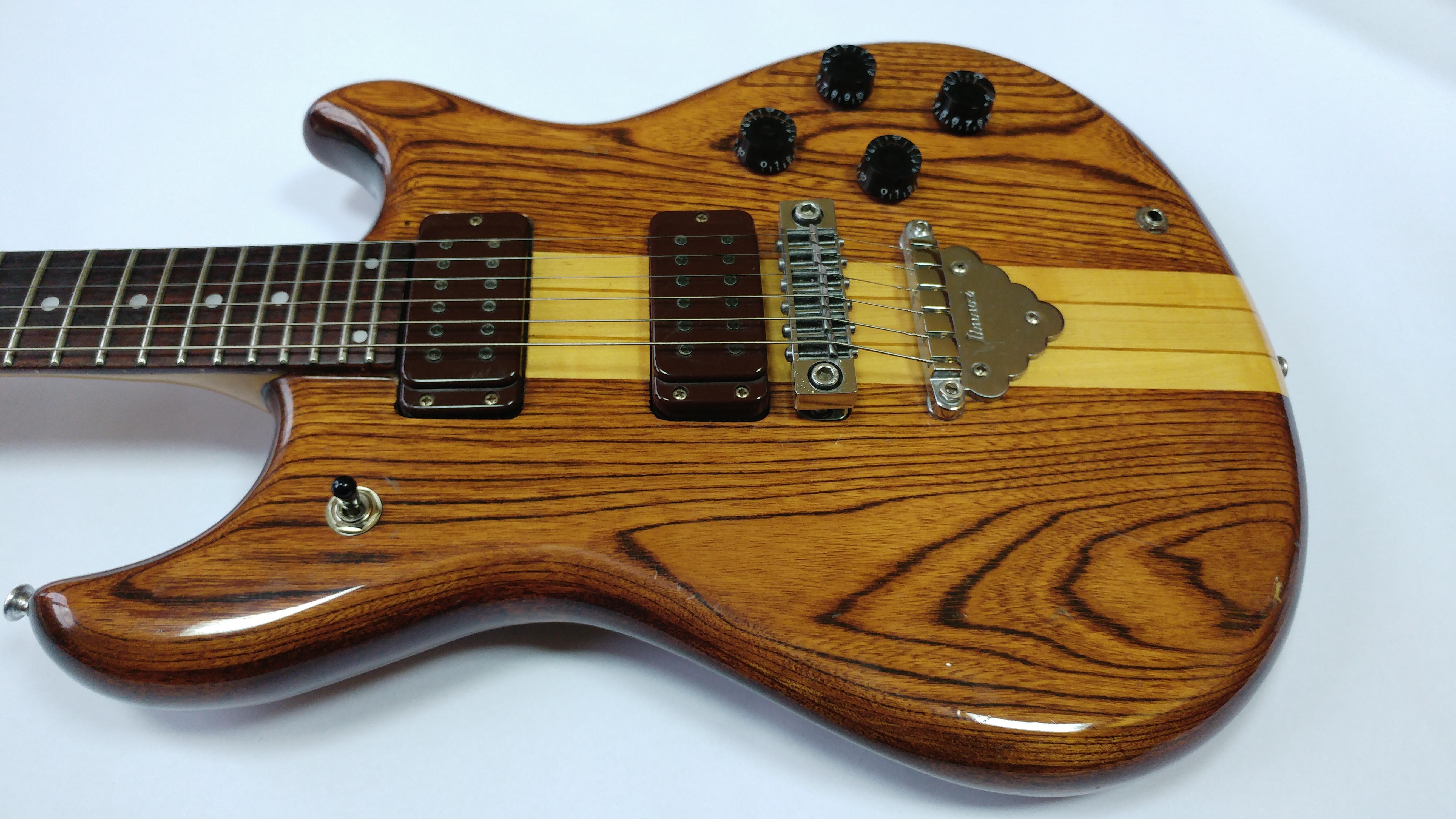 datowanie gitar według numeru seryjnego numer jeden serwis randkowy Australia